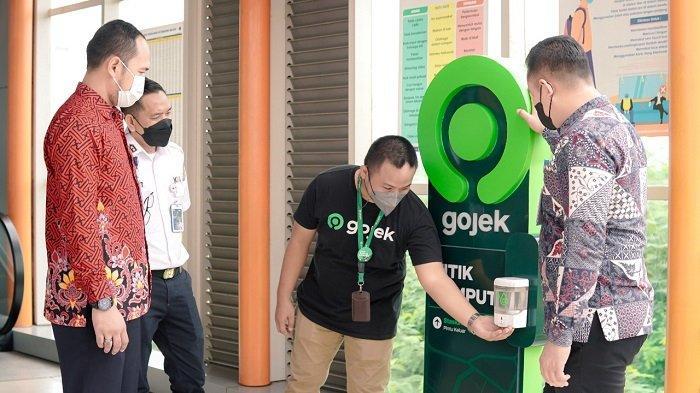 Bangkit Bersama Warga Palembang, Gojek Aplikasi Online Pertama Integrasikan Intermoda Dengan LRT - gojek-jadi-yang-pertama-integrasikan-intermoda-dengan-lrt-sumsel-1.jpg