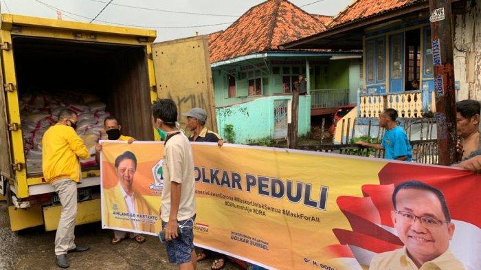 Golkar Peduli, Dodi Reza Salurkan 50 Ton Beras untuk Warga Terdampak Covid-19 di Sumsel