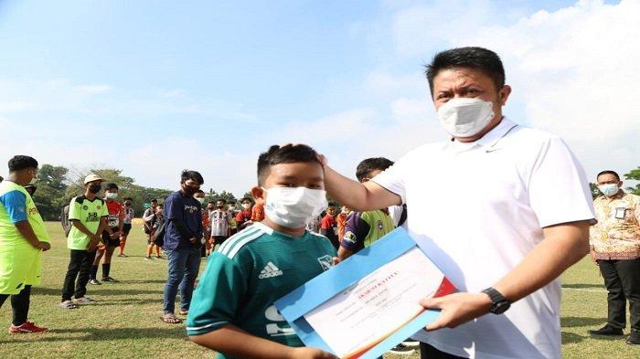 Gubernur Sumsel Gulirkan Turnamen Sepakbola U-14 dan Women Sriwijaya FC Championship