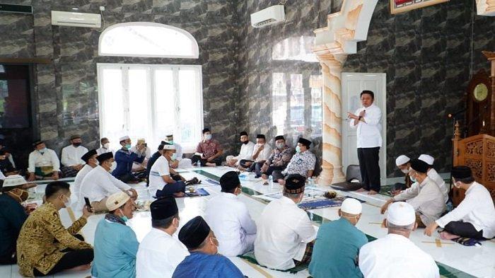 Safari Jumat, Herman Deru Bantu Perkembangan Masjid Al Muhajirin Komplek BSI
