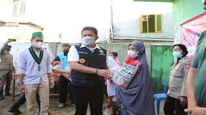 Dapat Bantuan Beras, Soleha Warga Radial Palembang Ucapkan Terima Kasih Pada Herman Deru
