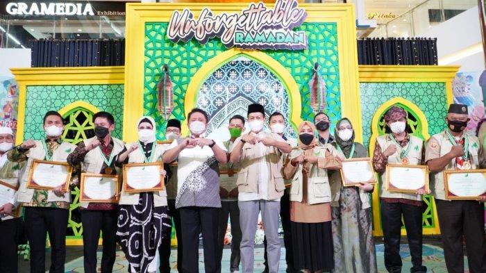 Gubernur Provinsi Sumatera Selatan (Sumel), H Herman Deru hadiri Festival Panti Asuhan yang digelarPandu Tani Indonesia (Patani) Sumsel di OPI Mall, Jakabaring, Minggu (25/4/21).