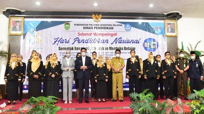 Peringati Hardiknas, Herman Deru Kukuhkan Forum Bursa Kerja Khusus SMK Sumsel