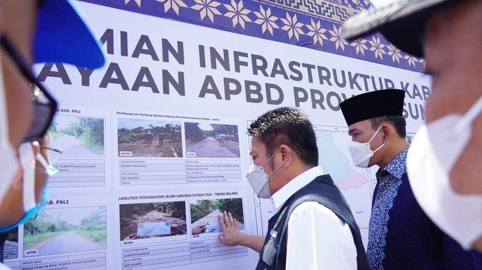 Perbaiki Infrastruktur Secara Merata, Masyarakat Muba Ucapkan Terimakasih pada Herman Deru