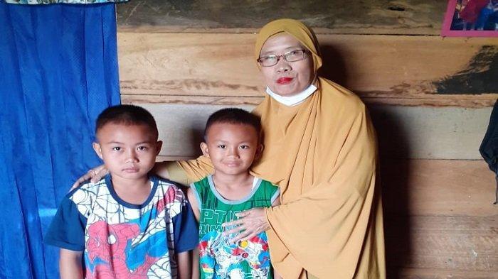 Kisah Mahyunah, Guru SD di Empat Lawang Kunjungi Rumah Siswa Agar Bisa Baca Tulis