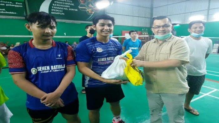 KONI Sumsel Berikan Bantuan Paket Sembako Kepada Atlet Bulutangkis di Sumsel