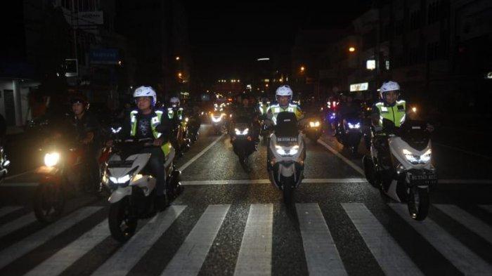 Gubernur Pakai Motor Patroli Tinjau Pos Pengamanan Malam Pergantian Tahun Baru di Palembang