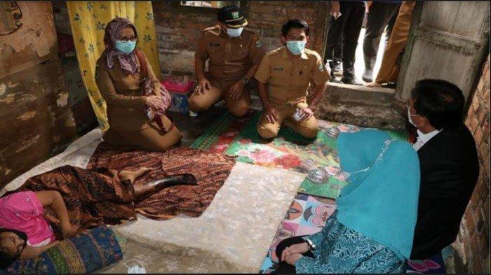 HNU Kunjungi 2 Warga Muara Enim Penderita Sakit Parah, Serahkan Bantuan, Minta Dinkes Terus Pantau