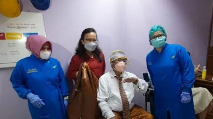 Hotman Paris Hutapea sudah melakukan vaksinasi Covid-19 di Rumah Sakit Koja Jakarta Utara