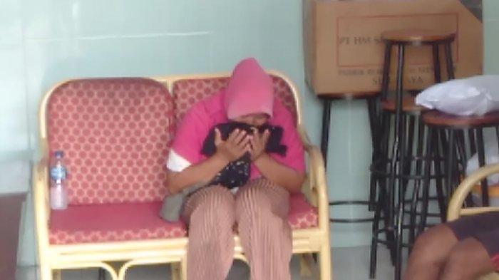 Anak Tenggelam di Banyuasin: Ibu Korban Tak Hentinya Cium Baju yang Dipakai Korban Sebelum Tenggelam
