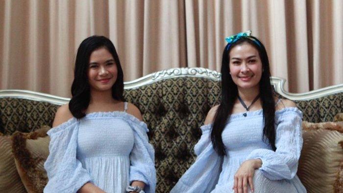Iis Dahlia dan Putrinya Pakai Pakaian Terbuka di Hari Lebaran, Panen Komentar Miring Publik