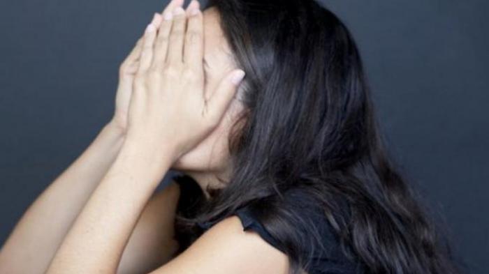 Tangis Mantan Pramugari Dianiaya Suami Gegara Pinjol : Saya Sudah Bersujud Tapi Tetap Ditampar