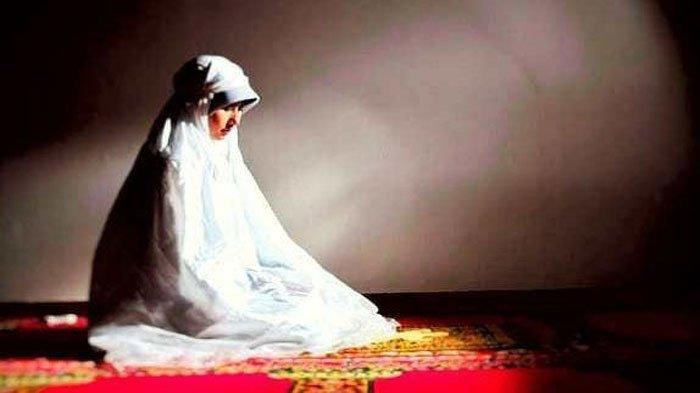 Hukum Shalat Tarawih di Rumah Bagi Wanita, Ini Cara dan Bacaaan Sholat Sendirian dan Berjamaah