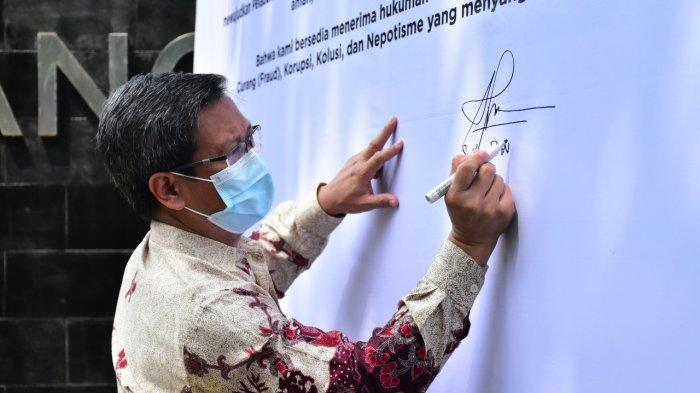 IPC Cabang Palembang Group dan Mitra Usaha Tandatangani Deklarasi Bersama Pelabuhan Bersih