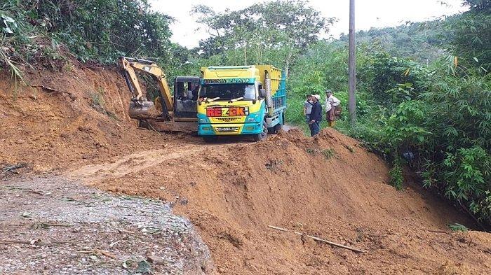Gubernur Sumsel Perbaiki Ruas Jalan Penghubung Sungai Are dan Sindang Danau OKU Selatan