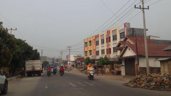 Jalan Padat Karya Prabumulih Jadi Lebar Setelah Kios Pedagang Dibongkar