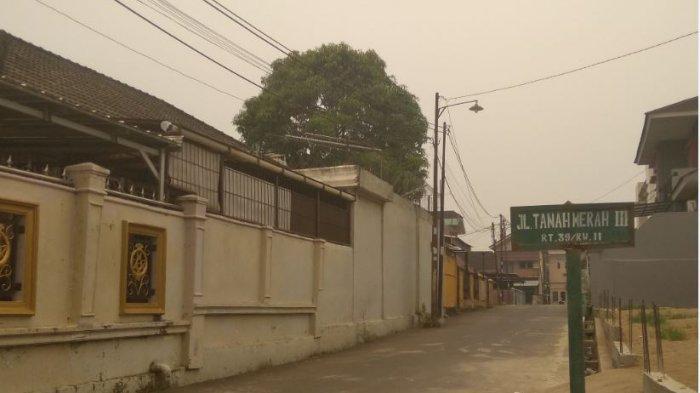 Melihat Jalan Tanah Merah Lokasi Perampokan Taksi Online Palembang, Sepi dan Banyak Tembusan