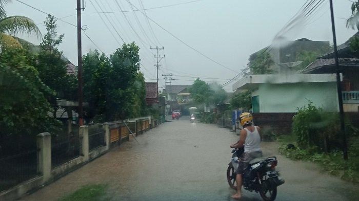 Diguyur Hujan Sejak Malam, Sejumlah Jalan dan Enam Rumah di Lahat Terendam Banjir