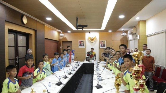 Prestasi Dicetaj Anak-anak Jaltha Soccer School Bikin HD Kagum