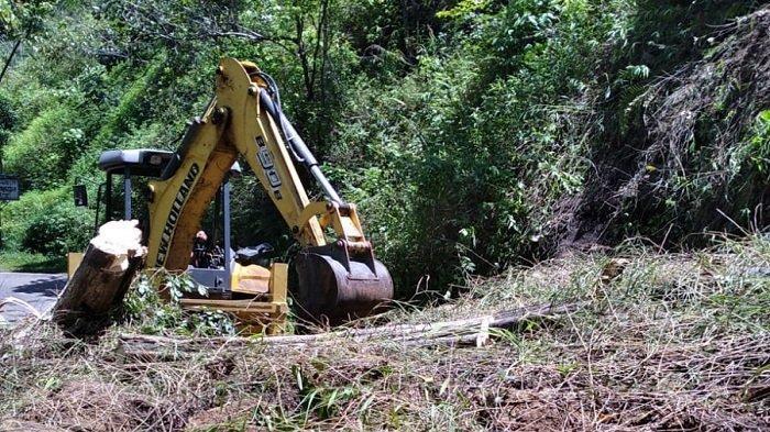 Material Tanah Longsor di Endikat Pagaralam Mulai Disingkirkan, Polisi Berjaga di Lokasi