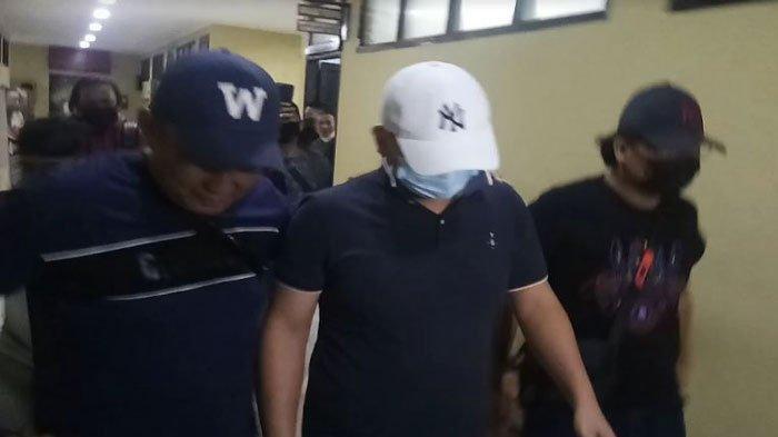 Gagah Ketika Aniaya Perawat RS Siloam, Begini Reaksi JT Saat Diamankan di Polrestabes Palembang