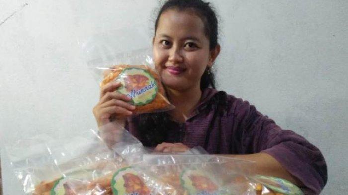 Awalnya Suka Makan, Sulastri Jual Keripik Singkong Enak di Palembang, Harga Dimulai Rp1.000
