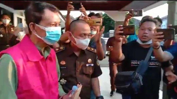 Dugaan Korupsi Rehab Jembatan Gantung, Kejari OKU Tahan Kades Bedegung Semidang Aji OKU