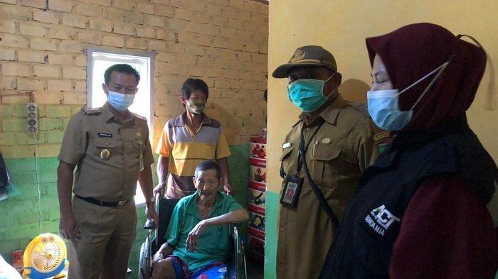 Masih Ingat Kakek Zainal yang Tinggal di Bekas Toilet Umum di Prabumulih, Kini Dapat Bantuan
