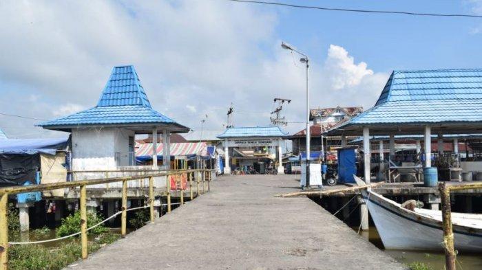 Kapal Pesiar Berisi 120 Turis Mancanegara Kunjungi Kampung Nelayan Desa Sungsang Banyuasin