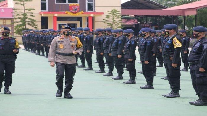 Kapolda Sumsel Pimpin Apel Pemberangkatan 1 SSK Satbrimob yang akan berangkat BKO Polda Jambi