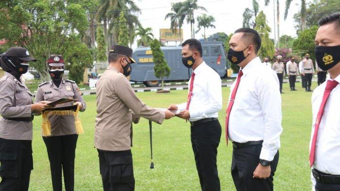 Kapolda Sumsel Beri Penghargaan Pada Jajaran Satnarkoba Polres Ogan Ilir