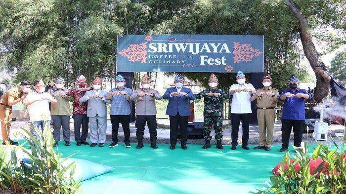 Kapolda Sumsel Hadiri Penutupan Sriwijaya Kopi dan Kuliner Festival di Pulau Cempako Palembang