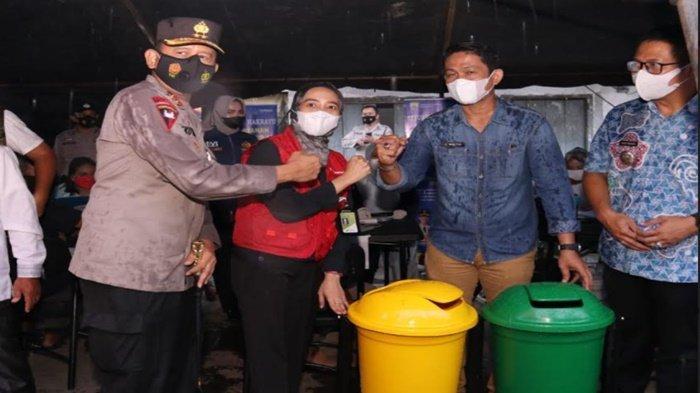 Kapolda Sumsel Datangi Kampung Narkoba, Silaturahmi dan Bagikan Sembako
