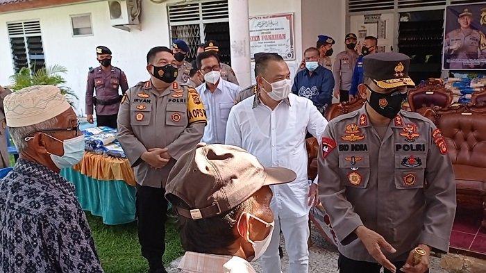 Polda Sumsel Salurkan Bantuan 3 Ton Beras ke Masyarakat Terdampak Covid-19 di Kalidoni Palembang