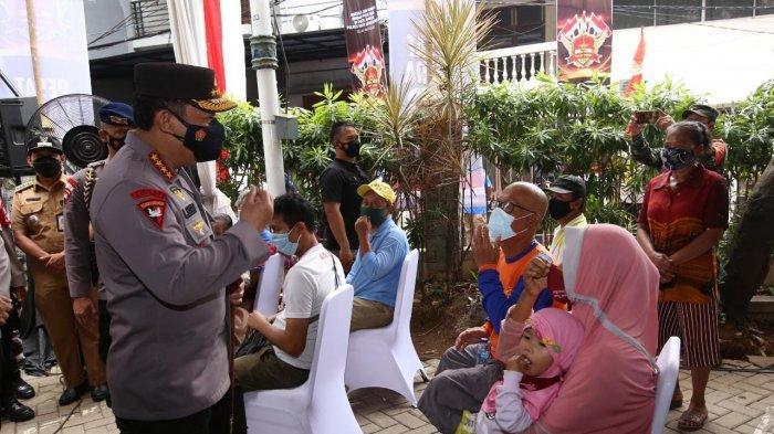 Kapolri Minta Jajaran Terus Bantu Warga dan Gelorakan 'Ayo Pakai Masker dan Ayo Segera Vaksin'