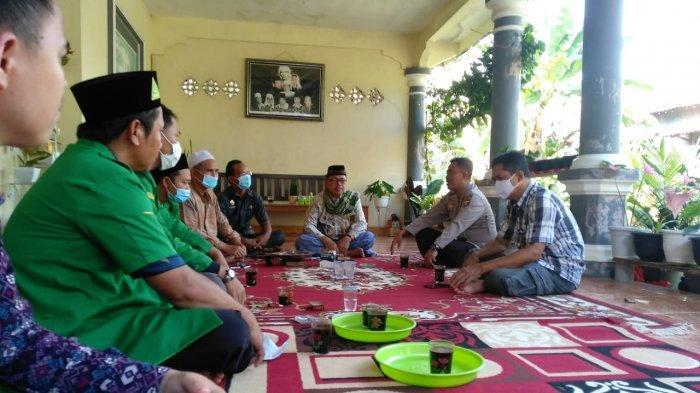 Kapolsek Baturaja Timur Silaturahmi dengan Pimpinan NU OKU