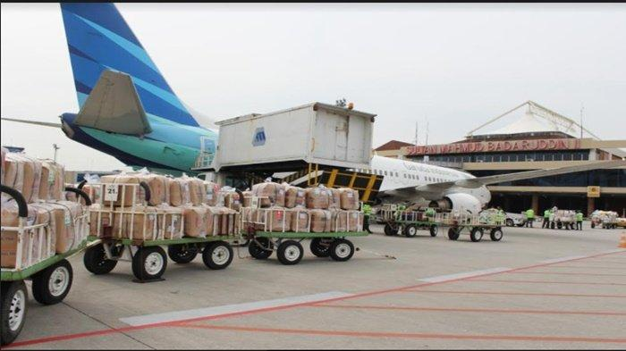 Jelang Lebaran Idul Fitri 1442 H Pengiriman Paket Naik, Wong Palembang Kirim Pempek dan Kue Basah