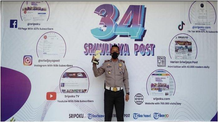 Kasatlantas Banyuasin AKP Ricky Mozam Terima Local Heroes Award, 'Motivasi Berikan Layanan Terbaik '