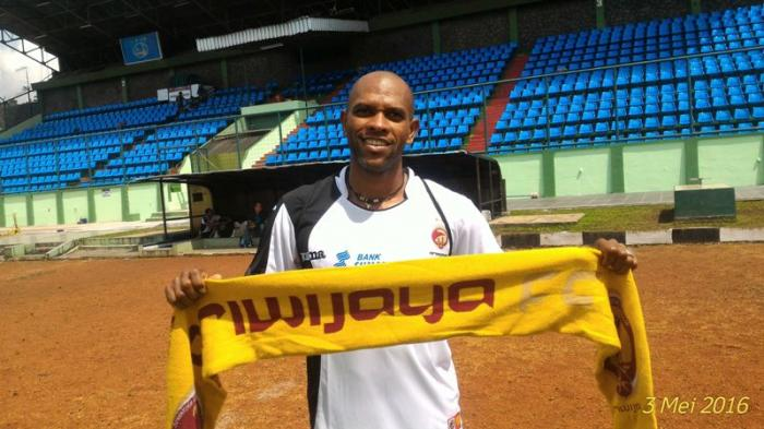 Ketih Kayamba Gumbs, Legenda yang Bawa Sriwijaya FC Raih Banyak Gelar, ini Statistiknya