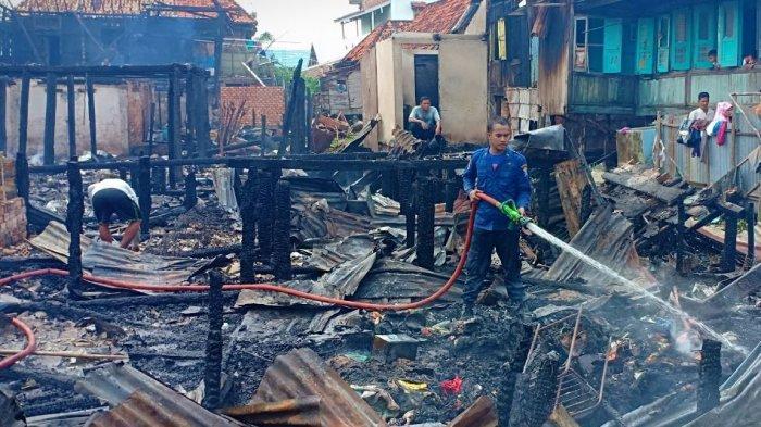 Pemkot Palembang Beri Bantuan dan Dirikan Dapur Umum di Lokasi Kebakaran 1 UIu