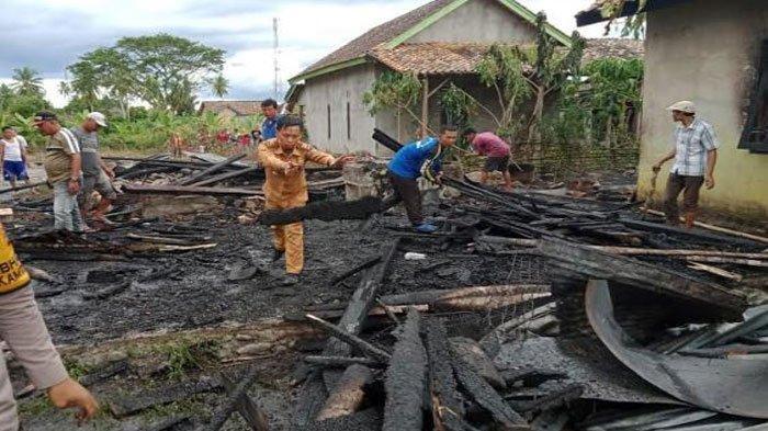 Nekat Selamatkan Harta Saat Kebakaran di Gunung Terang OKU Selatan, Dadang Mengalami Luka Bakar