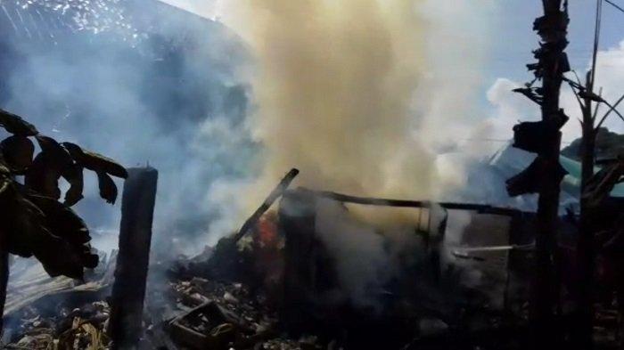 Ditinggal ke Kebun, Rumah di Tanjung Lubuk OKI Terbakar Habis Siang Tadi