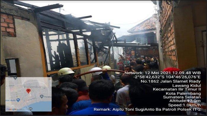 Kebakaran di Lawang Kidul, Api Hanguskan RumahTukang Parkir. Lokasi di Permukiman Padat Penduduk