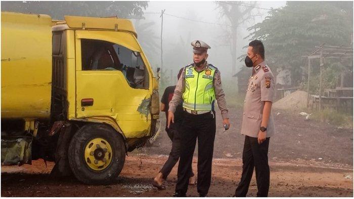 Kecelakaan di Km 18 Desa Air Batu Banyuasin Subuh Tadi, Mitsubishi Kuda Tabrak Truk Tangki Air