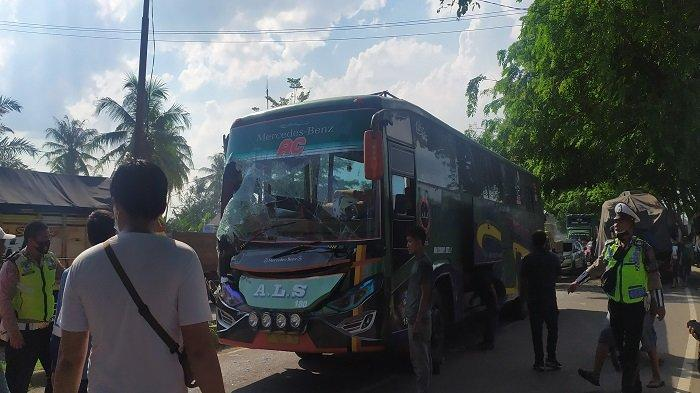 Kecelakaan Beruntun di Jalintim Pemulutan OI Siang Tadi, Kaca Bus ALS Pecah