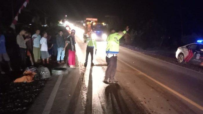 Kecelakaan di Langkan Banyuasin, Honda Revo yang dikendarai Sapri Senggol Bak Truk