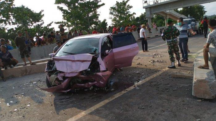 BREAKING NEWS; Kecelakaan Maut Honda Jazz Pink di Tol Palembang-Kayuagung, 3 Tewas