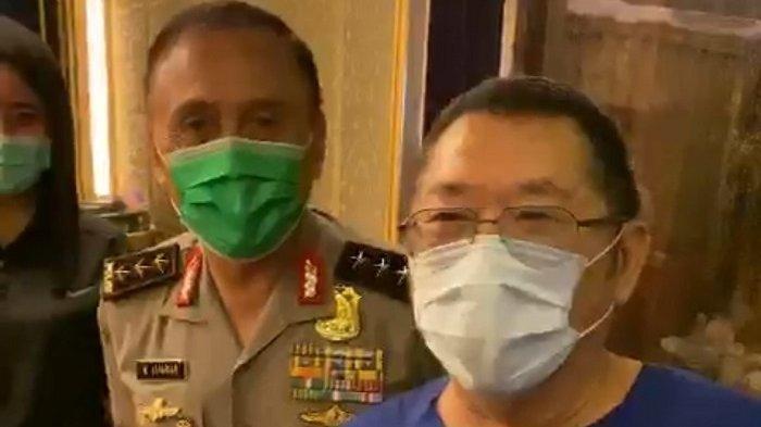 Heboh Video Pengusaha Jerry Lo Undang Iwan Bule Tes Corona di Rumahnya, Masih Pakai Seragam Polisi