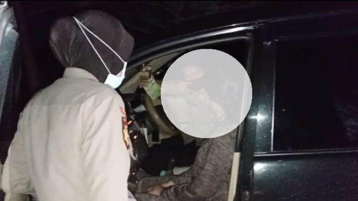 Kepergok Sedang Berduaan di Mobil, Terungkap Si Cewek yang Ajak Pacarnya Berbuat Tak Pantas
