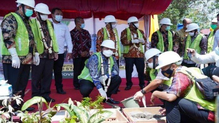 Ketua MA dan Bupati Banyuasin Meletakkan Batu Pertama Pembangunan Kantor Pengadilan Negeri